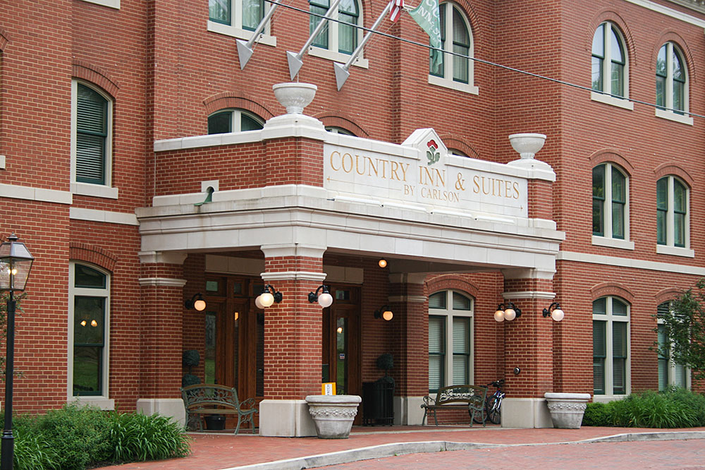 ©Midwest Cast Stone. Country Inn & Suites